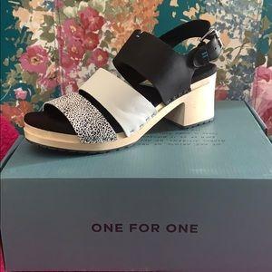 Toms Shoes - TOMS Black Mini Leopard Print Women's Clog Sandal